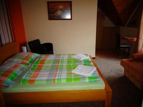 2 ágyas 8